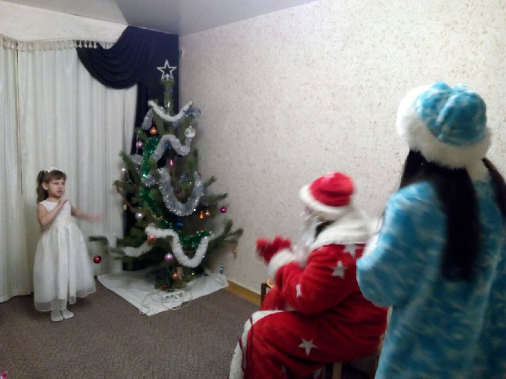 Белгородские дедушка Мороз иСнегурочка напомнили опожарной безопасности вНовый год