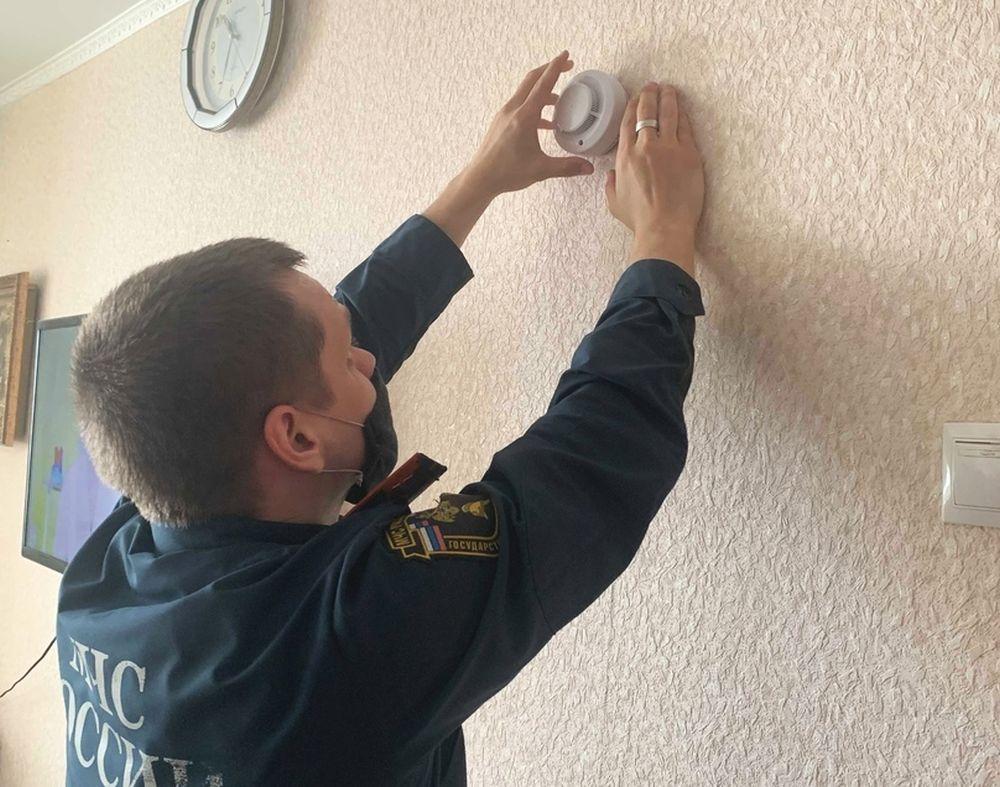 Дома жителей Красноармейского района защищают пожарными извещателями